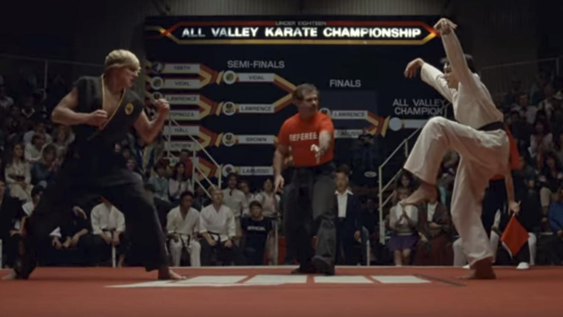 El rubio malote de Karate Kid ha vuelto… treinta y cuatro años después