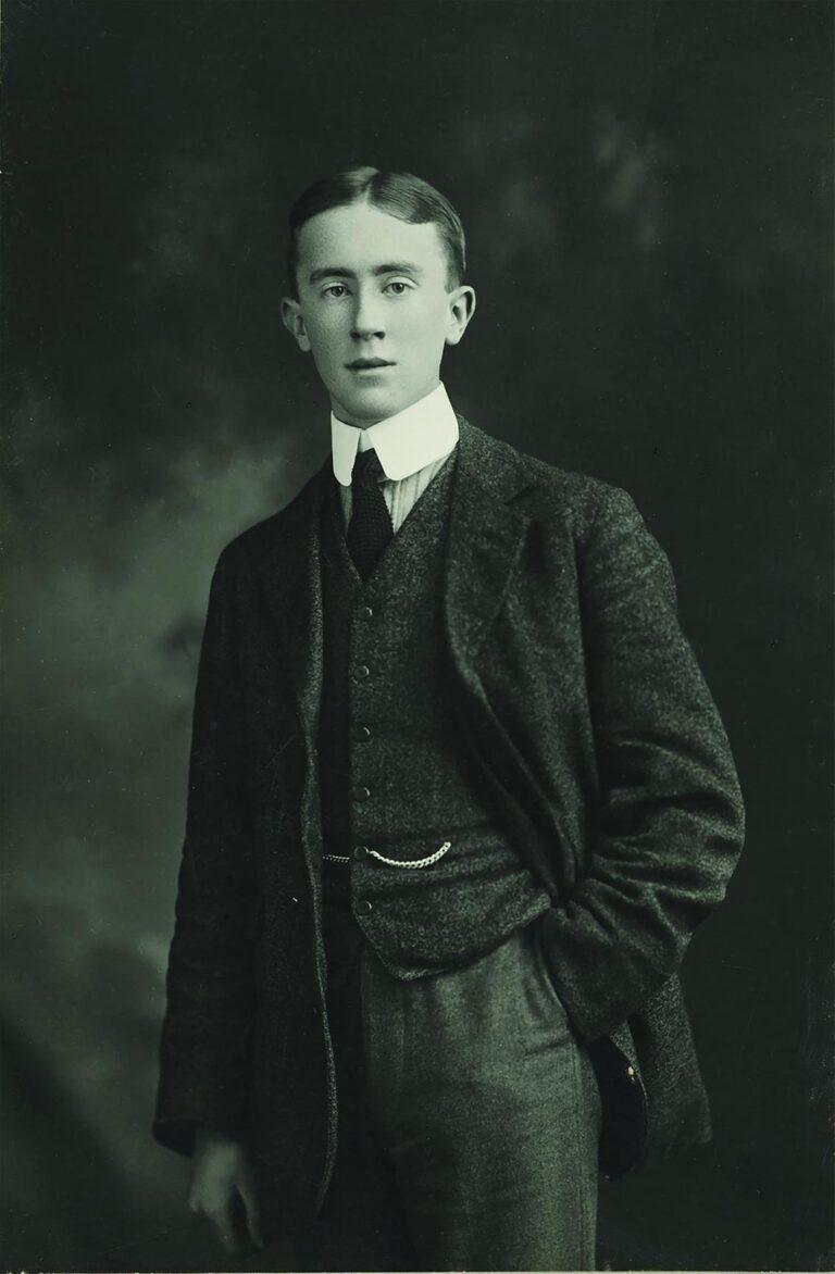 J. R. R. Tolkien: el señor de los hobbits