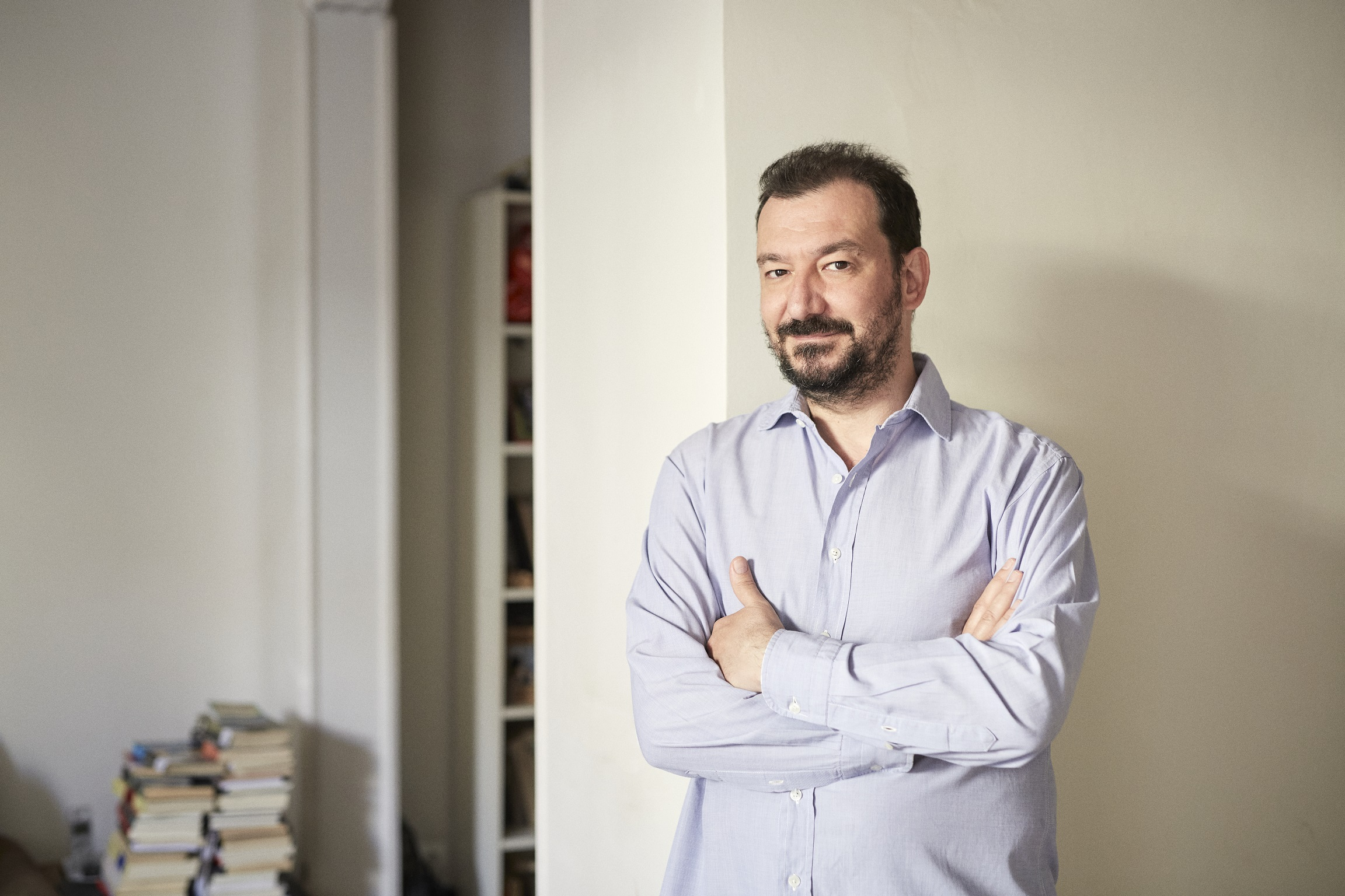 """Juan Vilá: """"Quería escribir una novela contra la familia y me ha salido un alegato"""""""